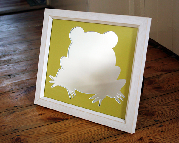 Custom mount tree frog